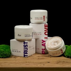 Ar norite intensyviai sudrėkintų rankų odos visą dieną?