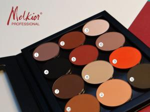 12 spalvų akių šešėlių paletė kuri yra būtina kiekvienai